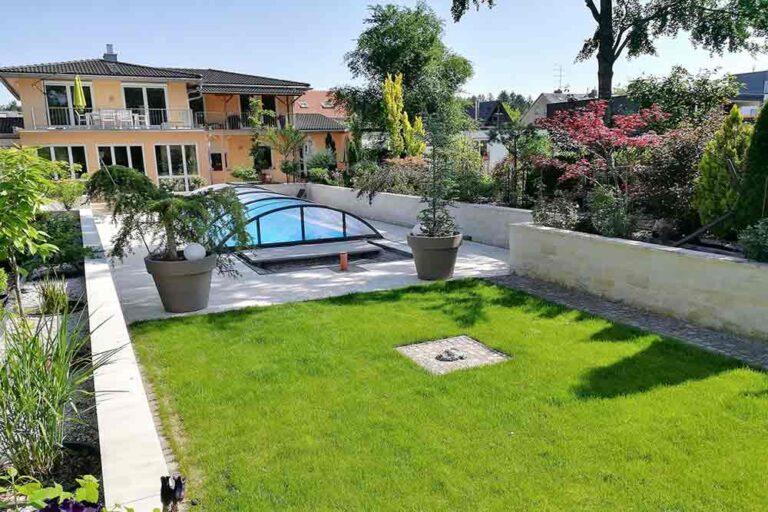 Дом в Мюнхене сад с бассейном